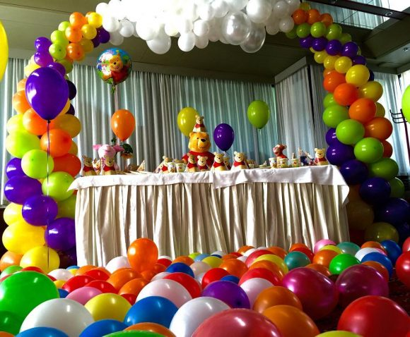Dekoracija rođendana balonima u obliku duge