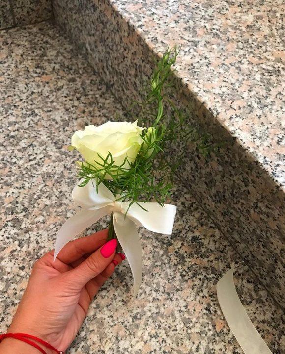 Muški cvetić za kićenje svatova za venčanja