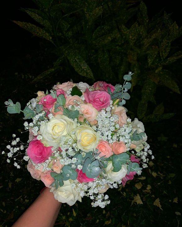 Bidermajer sa ružama i eukaliptusom