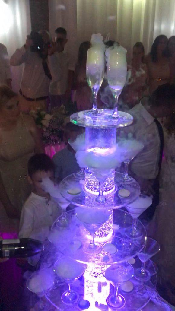 Sampanjac fontana sa dimom suvi led na dekoracija vencanja
