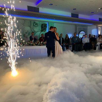 Dim i vatromet za prvi ples