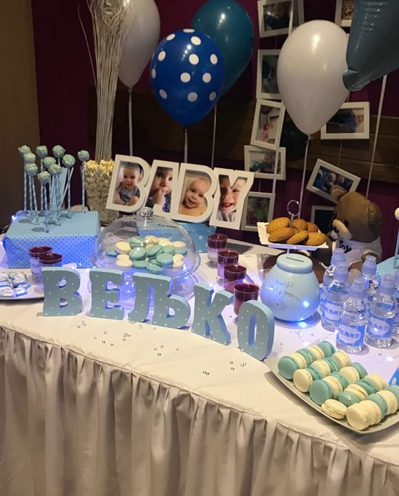 Slatki sto dekorcija rodjendana sa slatkisima